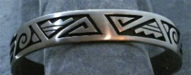 Hopi Sterling Silver Patterned Bracelet. 